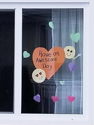 Messages of positivity displayed in a window